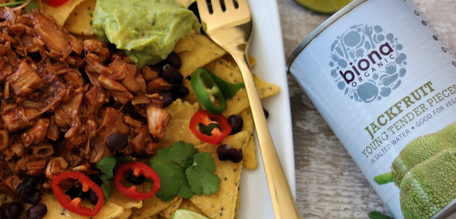 Jackfruit Loaded Vegan Nachos