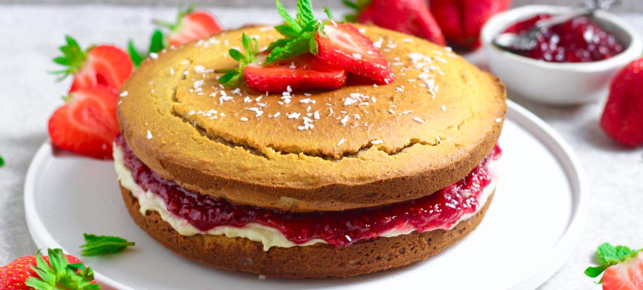 Jam and Cream Sponge Cake 1